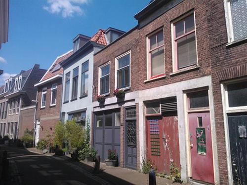 Foto woning voor plaatsing van opbouw